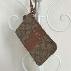Handbags - Wallet / wristlet